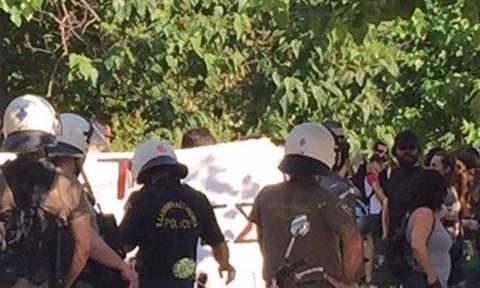 Διαμαρτυρία για το δυστύχημα στα ΕΛΠΕ - Κλειστή η Β. Αλεξάνδρου
