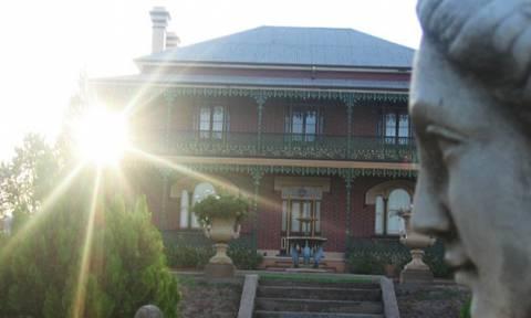 Aυτό είναι το πιο στοιχειωμένο σπίτι της Αυστραλίας (video)