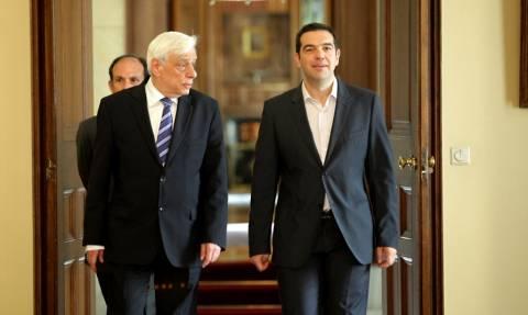 Eurogroup - Παυλόπουλος σε Τσίπρα: Σε στηρίζω απόλυτα