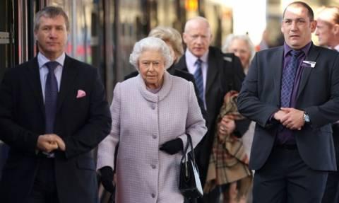 Τα σχόλια του βρετανικού Τύπου για τη φιλοευρωπαϊκή ομιλία της Ελισάβετ