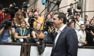 Χωρίς δηλώσεις αποχώρησε από τη Σύνοδο Κορυφής ο Αλέξης Τσίπρας