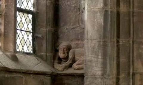 Drone ανακαλύπτει μικρό Σατανά σε καθεδρικό ναό