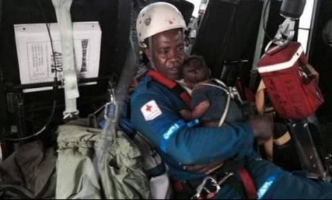 Μητέρα και νεογέννητο επέζησαν για πέντε ημέρες στη ζούγκλα μετά από συντριβή αεροσκάφους!