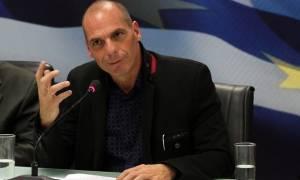 Γ. Βαρουφάκης: «Η Δημοκρατία χρειαζόταν μια τονωτική ένεση στην ευρωζώνη»