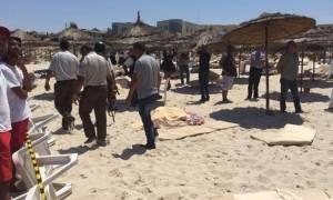 Τυνησία: Εγκαταλείπουν τη χώρα οι τουρίστες