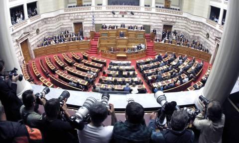 Δημοψήφισμα: Η διαδικασία συζήτησης στην Ολομέλεια της Βουλής
