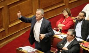 Δημοψήφισμα: Ένταση μεταξύ Τσίπρα και ΚΚΕ λίγο πριν την ψηφοφορία (video)