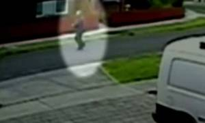 Βίντεο – σοκ: 58χρονος παρθένος βίασε μαθήτρια!
