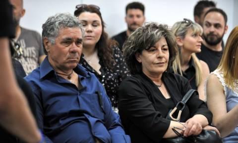 Οικογένεια Παύλου Φύσσα προς το δικαστήριο: Ποιος είναι ο αρχηγός της εγκληματικής οργάνωσης;