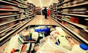 Capital controls: Χωρίς προβλήματα οι συναλλαγές με πλαστικό χρήμα στα σούπερ μάρκετ