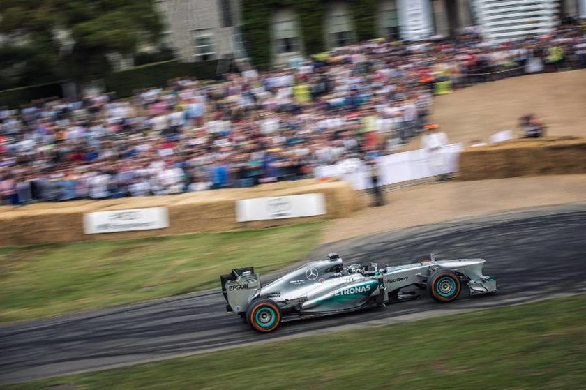 O Nico Rosberg έκανε περάσματα και ενθουσίασε το κοινό