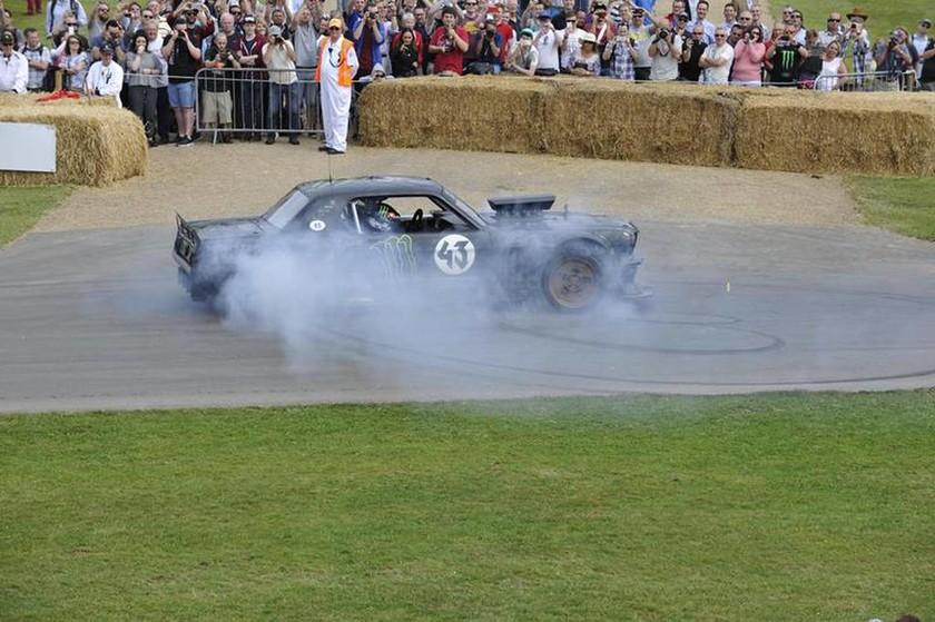 O Ken Block εντυπωσίασε με το Hoonicar. Ένα Ford Mustang με κινητήρα 850 ίππων και τετρακίνηση