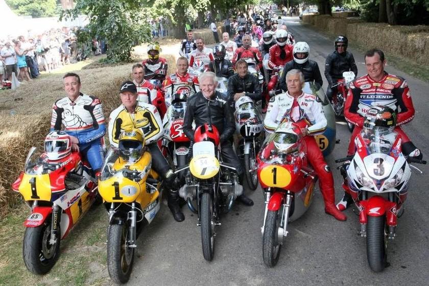 Από αριστερά στην πρώτη σειρά Freddie Spencer, Kenny Roberts, Stuart Graham, Giacomo Agostini και John McGuinness
