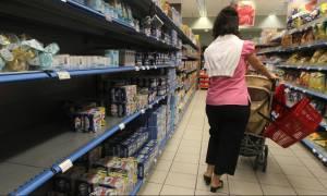 Δημοψήφισμα: Διαβεβαιώσεις της κυβέρνησης για καύσιμα, εμπόριο και τρόφιμα