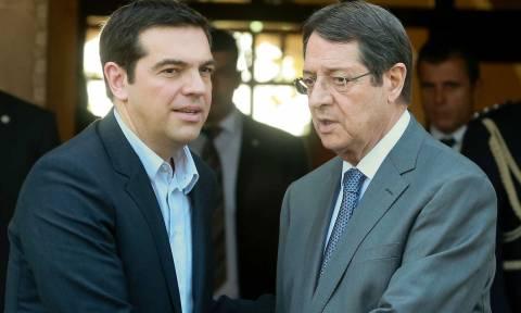 Δημοψήφισμα: Θετική ανταπόκριση Αναστασιάδη στο αίτημα Τσίπρα για παράταση