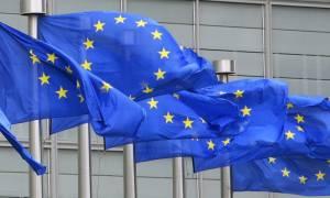 Σεγκόλ: Η ΕΕ θα πρέπει να σκεφτεί πολύ πριν σπρώξει την Ελλάδα έξω από την Ευρωζώνη
