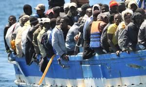 Ιταλία: 2.900 μετανάστες έφθασαν μέσα σε μία μέρα στα νότια της χώρας!