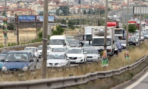 Θεσσαλονίκη: Κυκλοφοριακά προβλήματα στην Περιφερειακή λόγω τροχαίου