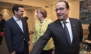 Δημοψήφισμα: Πληροφορίες για τηλεδιάσκεψη Τσίπρα – Μέρκελ – Ολαντ