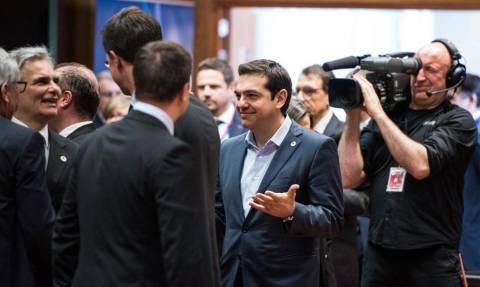 Capital controls - Financial Times: Το όραμα της Ευρώπης πεθαίνει στην Ελλάδα