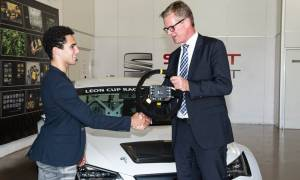 SEAT: Παραδίδει το 100ο SEAT Leon Cup Racer