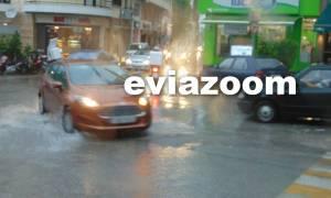 Καιρός: «Πνίγηκε» η Χαλκίδα από την ισχυρή βροχόπτωση (video)