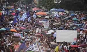 Δημοψήφισμα 2015: 30 προσαγωγές κατά τη διάρκεια συγκέντρωσης στο Σύνταγμα