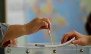 Δημοψήφισμα 2015 - Τι δείχνει η πρώτη επίσημη δημοσκόπηση για το αποτέλεσμα