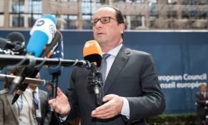 Δημοψήφισμα - Ολάντ:  Καθήκον μας να κρατήσουμε την Ελλάδα στο ευρώ
