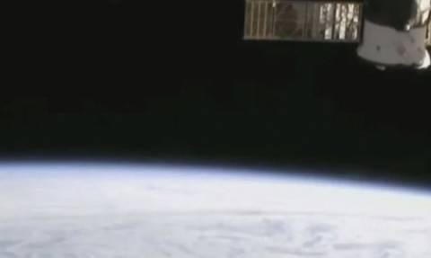 Βίντεο-ντοκουμέντο: UFOs εγκαταλείπουν τη Γη! – Τι μας κρύβει η NASA;