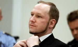 Επαφές με άλλους ανθρώπους ζητά ο μακελάρης της Νορβηγίας που σκότωσε 77 αθώους