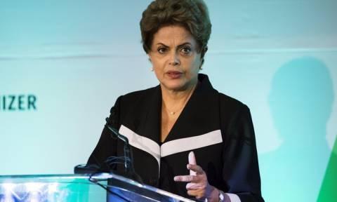 Βραζιλία: Στα τάρταρα η δημοτικότητα της προέδρου Ρούσεφ