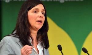 Δημοψήφισμα: Η Έκαρντ ζήτησε από τη Μέρκελ να ηγηθεί για λύση στην ελληνική κρίση