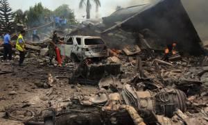 Ινδονησία: Σε βλάβη του κινητήρα οφείλεται η συντριβή του στρατιωτικού αεροπλάνου