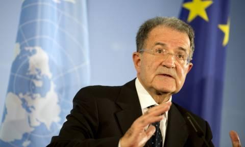 Δημοψήφισμα – Πρόντι: Είναι αδύνατον να διώξουν την Ελλάδα από το ευρώ μετά τις αστοχίες της Τρόικας