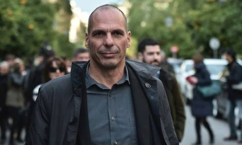 Varoufakis says he would rather 'cut his arm off' than agree to EU terms