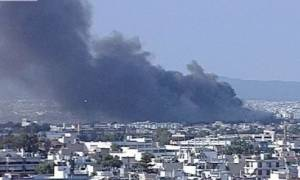 Μεγάλη πυρκαγιά μαίνεται στο εργοστάσιο της Softex στον Βοτανικό (Photos)
