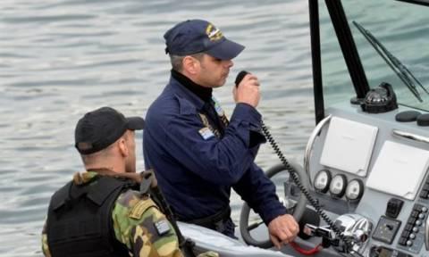 Εντοπισμός πτώματος ανδρός αγνώστων στοιχείων στο λιμάνι του Πειραιά