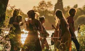 Secret Garden Party: Ποτέ δεν είναι αργά για ευτυχισμένα παιδικά χρόνια (video)