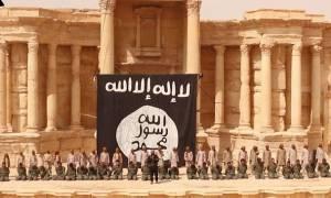 Νέα θηριωδία των τζιχαντιστών: Έβαλαν παιδιά να εκτελέσουν στρατιώτες στην Παλμύρα (video)