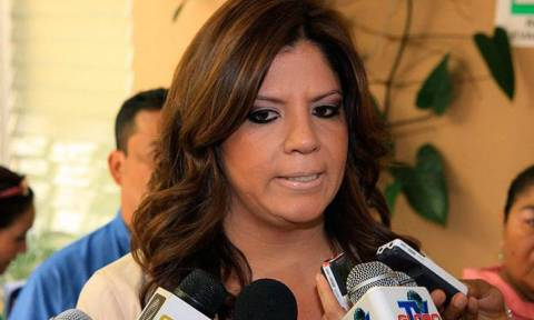Αντιπρόεδρος Κογκρέσου και μέλη της οικογένειάς της σε κατ' οίκον κράτηση