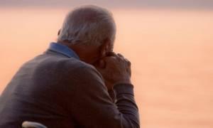 Δημοψήφισμα-Συνταξιούχος έστειλε τη σύνταξή του στον Τσίπρα ως ένδειξη συμπαράστασης (video)