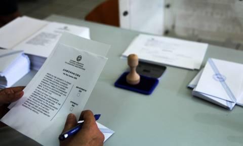 Δημοψήφισμα 2015: Αποκαταστάθηκαν τα μικροπροβλήματα στα εκλογικά κέντρα