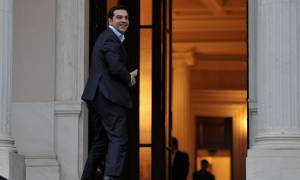 Αποτελέσματα δημοψηφίσματος 2015: Στο Μέγαρο Μαξίμου Αλέξης Τσίπρας και στελέχη της κυβέρνησης