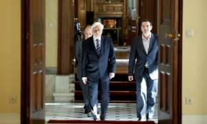 Στον Πρόεδρο της Δημοκρατίας σε λίγη ώρα ο Τσίπρας