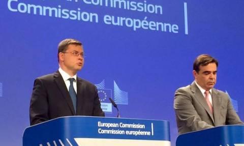 Ντομπρόβσκις: Για επανέναρξη των διαπραγματεύσεων χρειαζόμαστε εντολή από το Eurogroup