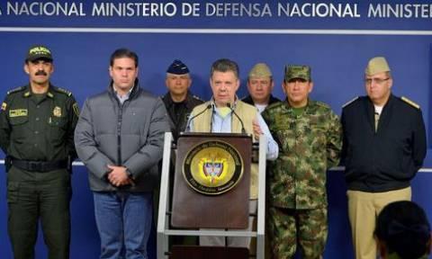Κολομβία: Ο Σάντος «ξήλωσε» την ηγεσία των ενόπλων δυνάμεων