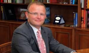 Βρετανός πρέσβης: Καμιά ανησυχία για τους Βρετανούς τουρίστες - Έκκληση για συμφωνία