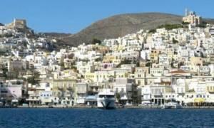 Ο μάγκας γιατρός από τη Σύρο συγκίνησε το νησί και όλη την Ελλάδα!