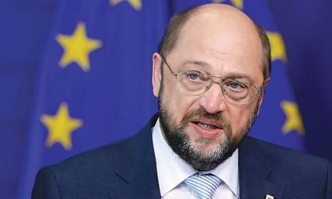 Έλληνας οικονομολόγος μηνύει τον Μάρτιν Σουλτς (photos)!